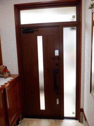 玄関ドア リフォーム後 内側から