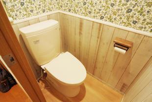 無機質だったトイレがオシャレな空間に