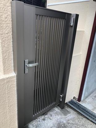 外構リフォーム/壊れてしまった門扉の取替