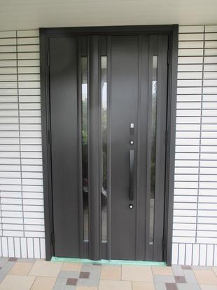 【つくば市】カッコよさが増した玄関ドア