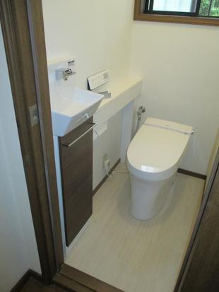 【つくば市】手洗いカウンター付トイレ