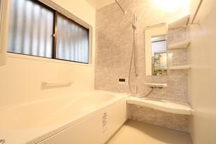 【常総市】築41年の浴室、玄関ドアをリフォーム