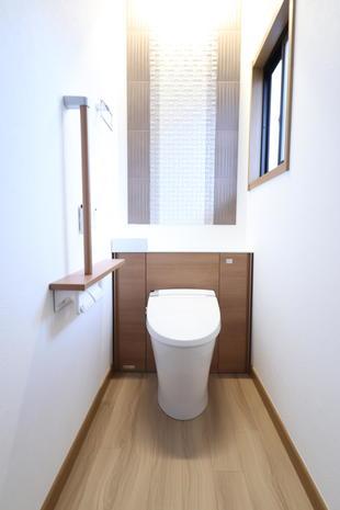 【つくば市】2階トイレ~エコカラット割付は、おまかせ注文!!