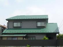 外壁と屋根の塗装リフォーム明るい印象の外観に!