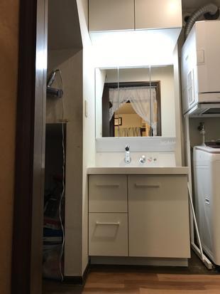 洗面化粧台を交換、新しくなりました!