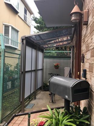 目隠しと屋根を兼ねたテラス屋根スピーネを設置リフォームしました!