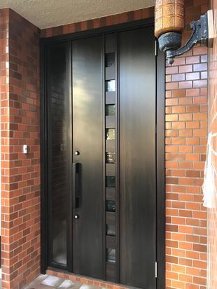 玄関ドアをLIXILリシェントへ交換リフォーム!!