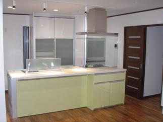 間取りを大きく変更し、和室をキッチンにしました。