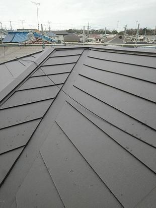 屋根ガルバリウム鋼板重ね葺き
