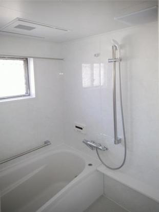 浴室を広く、温かく