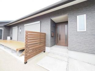 開放的なデッキのある家(八女市・新築)