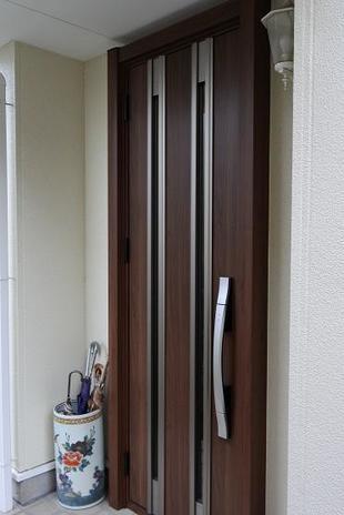 K様邸 カギを出さずに開けれる!?防犯性高い玄関ドア