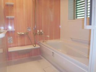 田主丸町 N様邸 建具が変わるとイメージも変わるキュートな浴室と洗面所