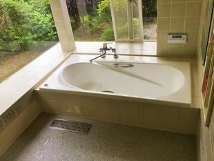 美しさ続く最高級素材の浴槽でバスタイムをワンランクアップ I様邸浴槽取替工事