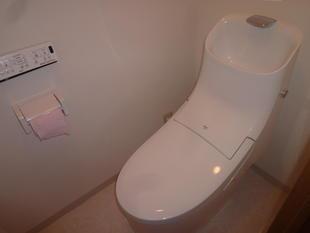 トイレ便座入れ替え