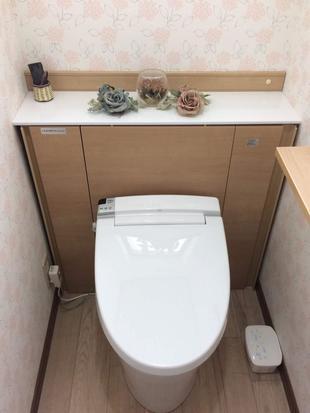 【トイレ】取り換えるだけで見た目すっきり!キャビネット付トイレにリフォーム♪