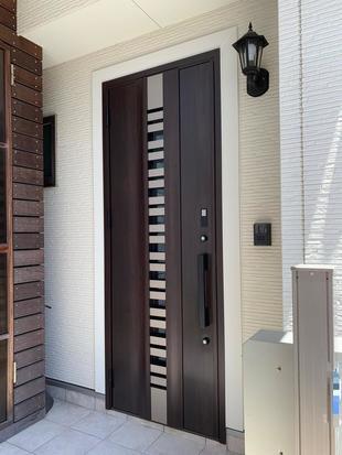 サイズを変えずに玄関ドア交換