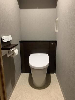 空間スッキリ、キャビネット付きトイレその名も【リフォレ】