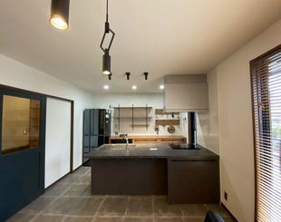《キッチン》窮屈な壁を無くして広々空間に♪