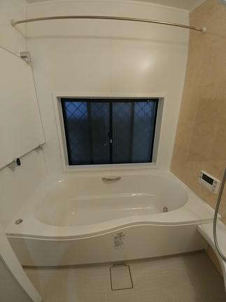 サーモバスS搭載の1600ロング浴槽です。