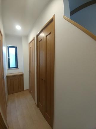 トイレドアはラシッサSの中折れ戸に変更