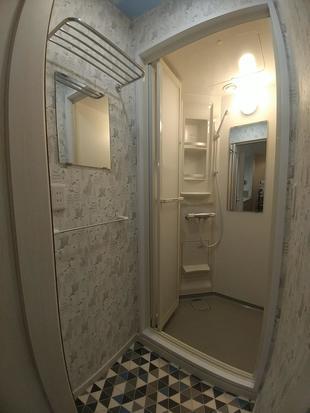 【リビングに・・・】シャワールーム新設工事(東京都中野区)