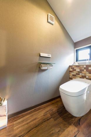 千葉市中央区 カフェをイメージしたお洒落で居心地の良いトイレ空間