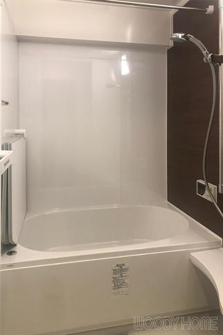 暖かく掃除が楽になった浴室