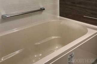 新しく入れたリノビオの浴槽