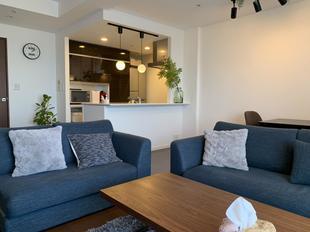 千葉市中央区 お洒落オープンキッチン!エコカラットでデザインと機能をプラス♪