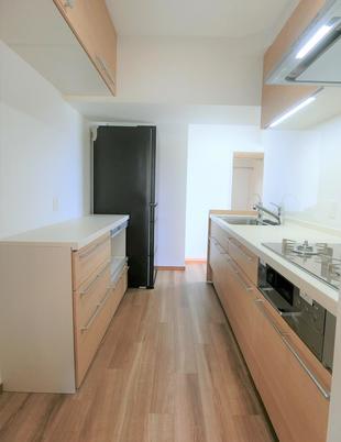 千葉市中央区 収納力UP、お掃除楽々のキッチンリノベーション