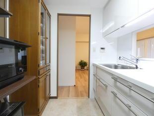 千葉市緑区 お手入れ楽々・収納たっぷりの明るいキッチン