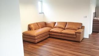 大きなソファーも収まりました