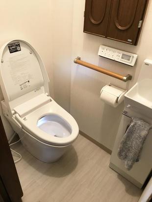 タイル貼りのトイレからタンクレストイレにリフォーム